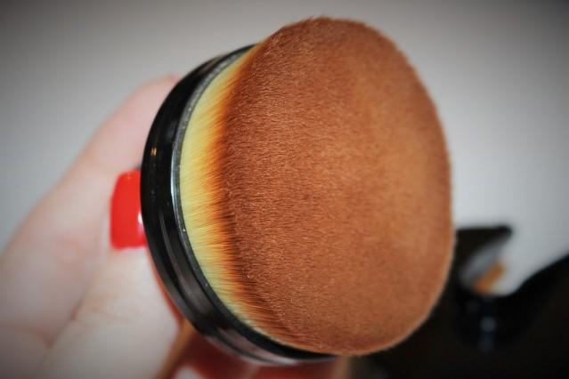 cailyn-cosmetics-o-circle-brush-review-5
