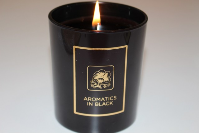 clinique-aromatics-candle-review-black-4