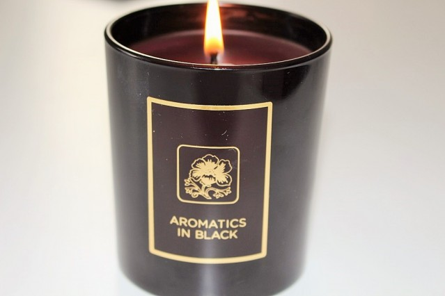 clinique-aromatics-candle-review-black