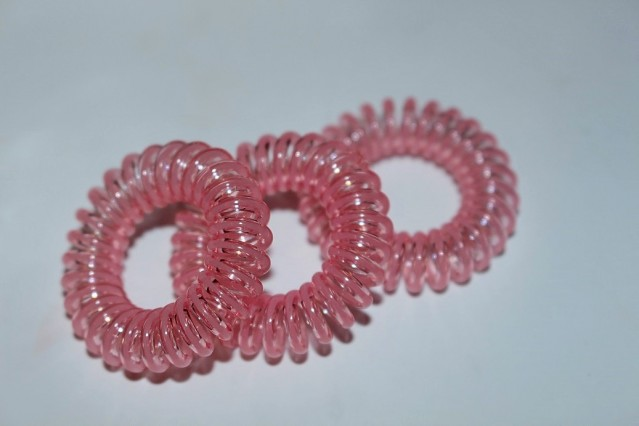 invisibobble-breast-cancer-now-pink-limited-edition-4