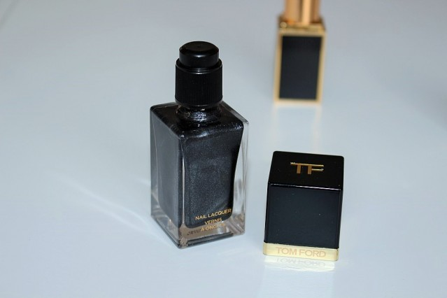 tom-ford-noir-color-collection-nail-black-onyx-review