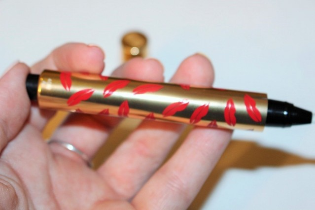 ysl-touche-eclat-collector-kiss-and-love-edition-review-2