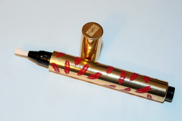 ysl-touche-eclat-collector-kiss-and-love-edition-review-3