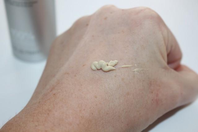 bakel-nutrieyes-nourishing-anti-ageing-eye-cream-review-2