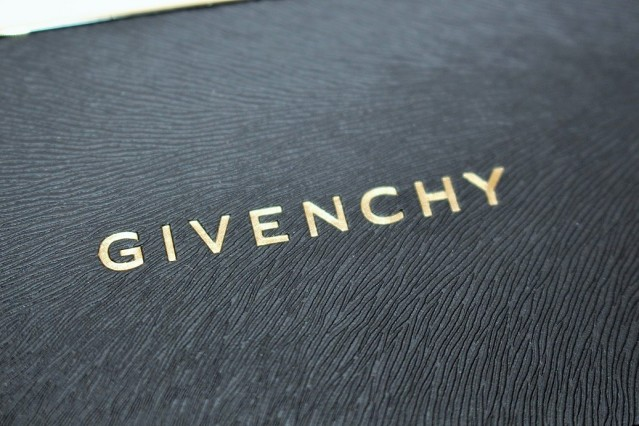 givenchy-makeup-must-haves-palette-review-2