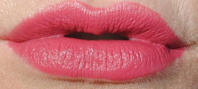 laura-mercier-velour-lovers-lip-swatch-coquette