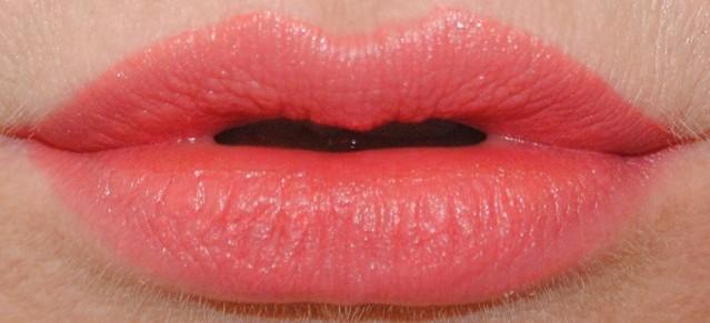 revlon-ultra-hd-matte-lip-color-swatch-flirtation