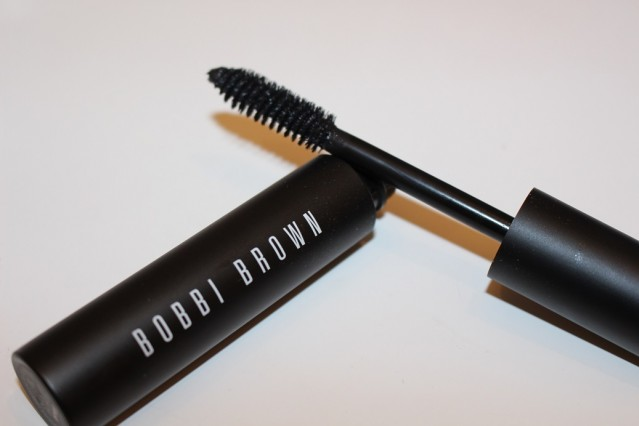 bobbi-brown-eye-opening-mascara-review-2