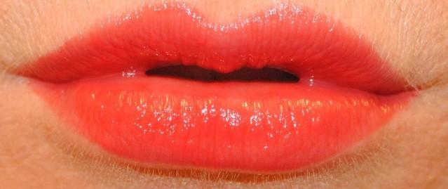 givenchy-rouge-interdit-vinyl-lipstick-swatch-11-rouge-rebelle
