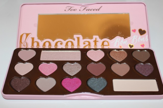 too-faced-chocolate-bon-bons-eyeshadow-palette-review-2