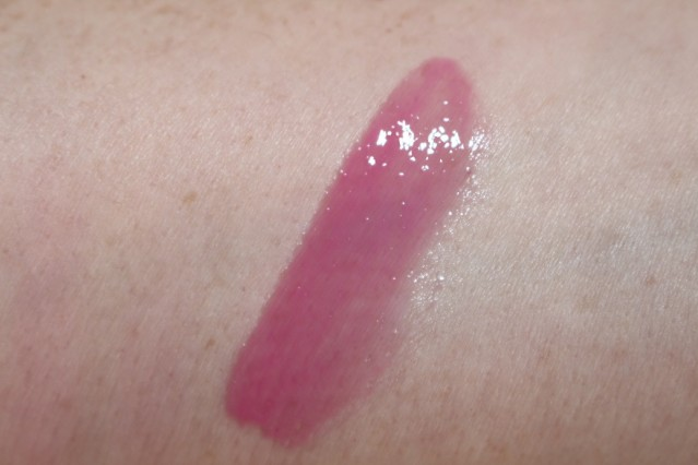 bobbi-brown-red-and-pink-lip-gloss-pink-lily-review