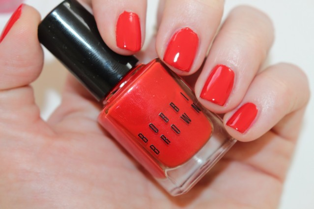 bobbi-brown-red-and-pink-nail-swatch-cherry-tomato