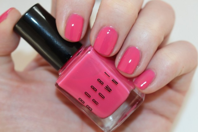 bobbi-brown-red-and-pink-nail-swatch-pink-peony