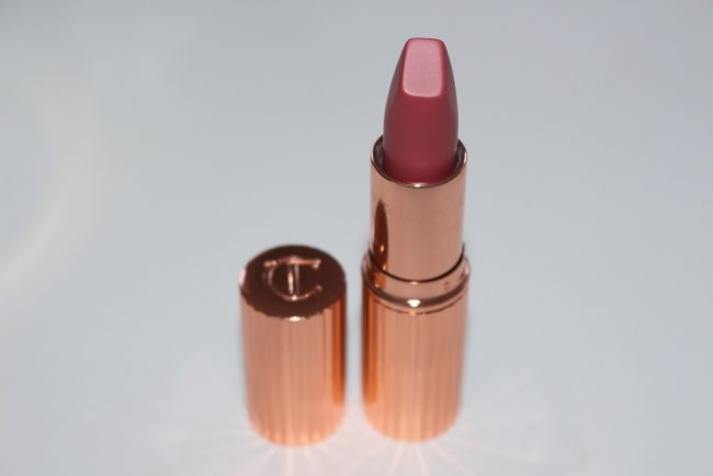 charlotte-tilbury-between-the-sheets-matte-revolution-lipstick-review-2