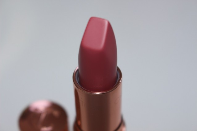 charlotte-tilbury-between-the-sheets-matte-revolution-lipstick-review-3