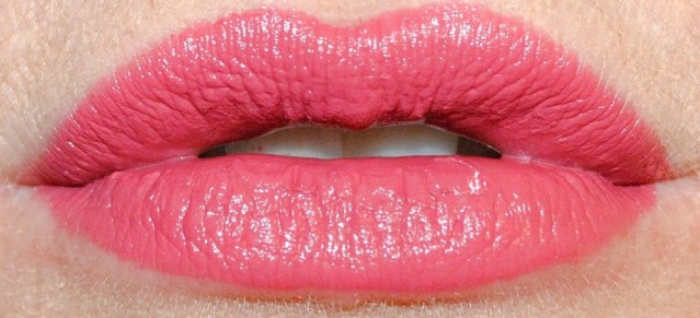 charlotte-tilbury-kiss-chase-k-i-s-s-i-n-g-lipstick-swatch-3