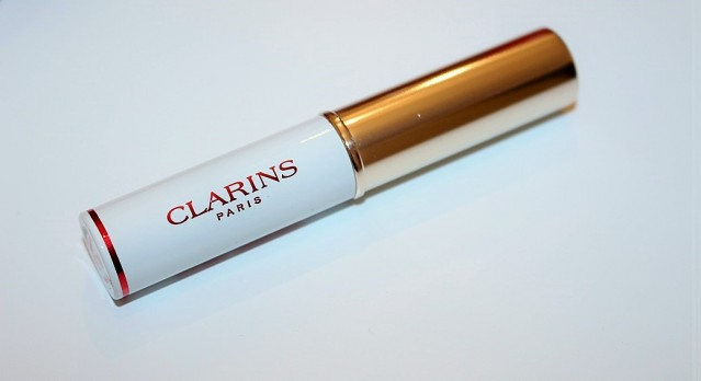 clarins-instant-light-lip-perfecting-base-review-2