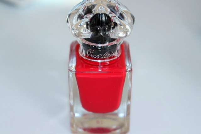 guerlain-la-petite-robe-noire-nail-colour-review-003-red-heels