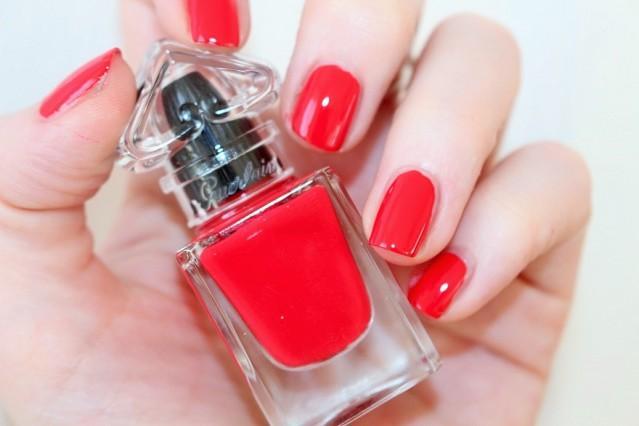 guerlain-la-petite-robe-noire-nail-colour-swatch-003-red-heels