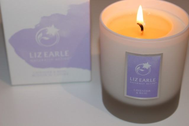liz-earle-lavender-and-basil-candle-review