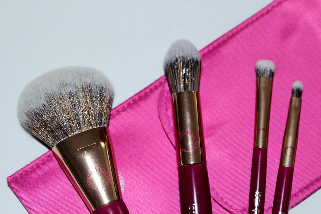 Anti-Bacterial Brush Set by Look Good Feel Better #5