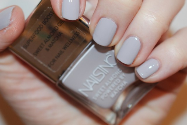 nails-inc-sweet-almonds-swatch-cornwall-gardens