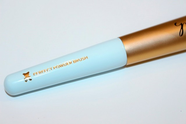 too-faced-mr-right-perfect-powder-brush-review-5