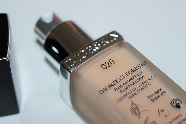dior-diorskin-forever-fluid-foundation-review-020