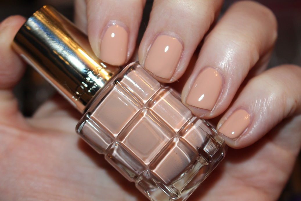 L\'Oreal Paris Color Riche L\'Huile Nail Varnish Swatches - Really Ree