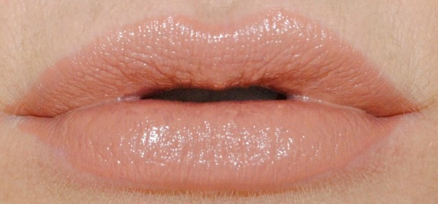 marc-jacobs-new-nudes-sheer-gel-lipstick-swatch-anais