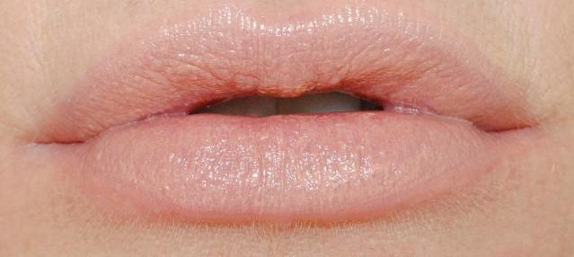 marc-jacobs-new-nudes-sheer-gel-lipstick-swatch-moody-margot