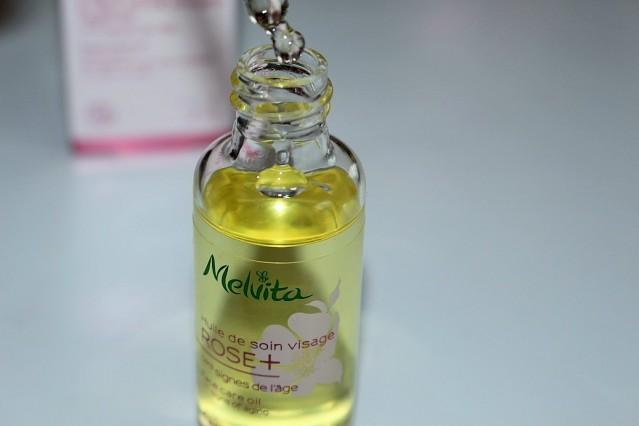 melvita-rose+-rejuvenating-light-oil-review-2