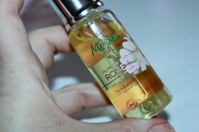 melvita-rose+-rejuvenating-light-oil-review-5