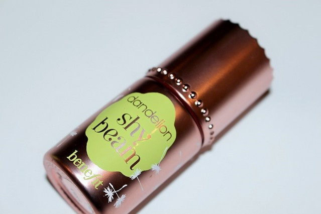 benefit-dandelion-shy-beam-liquid-highlighter-review-4