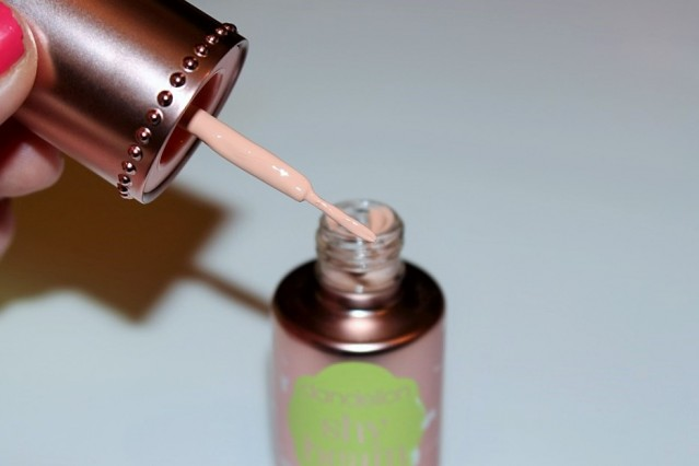 benefit-dandelion-shy-beam-liquid-highlighter-review-6