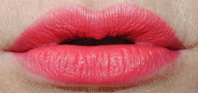 Charlotte Tilbury Miranda May lipstick swatch