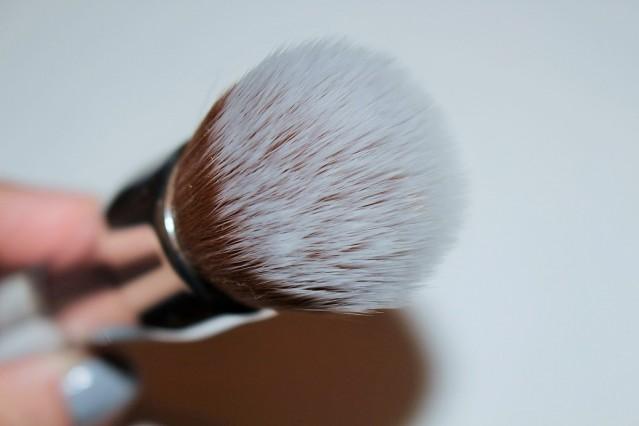 clinique buff brush