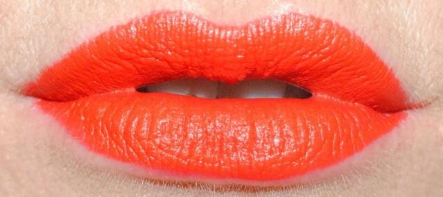 the estee edit lip flip shade transformer