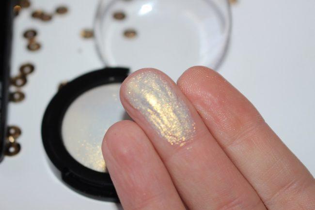 Skin Fetish 003 Swatches Golden Pigment