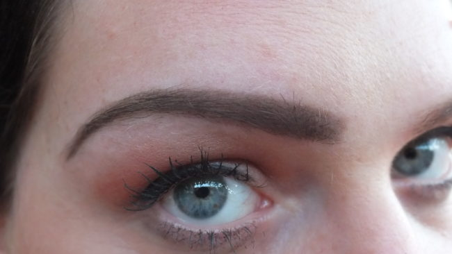 Eylure Brow Range - Eylure Brow Pomade with Small Brow Amplifier Applied