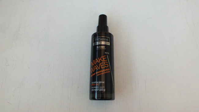 TRESemme Sculpt and Define Gel Spray