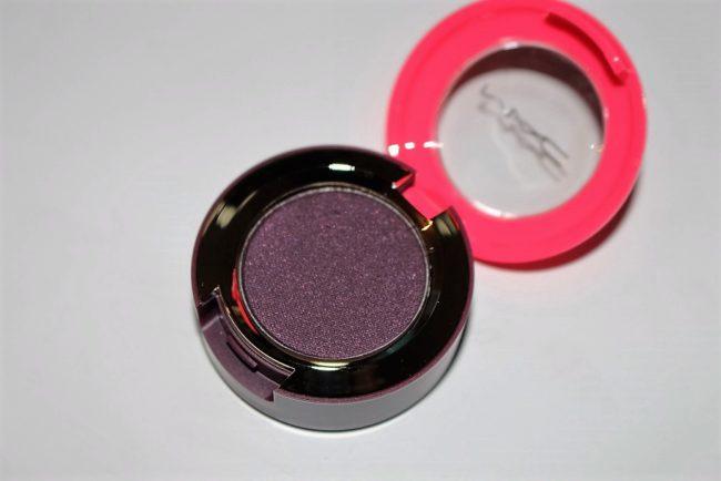 MAC Magic Dust Eyeshadow - Dark Lullaby
