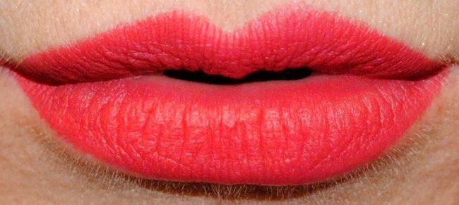 Famous Red NARS Velvet Matte Lip