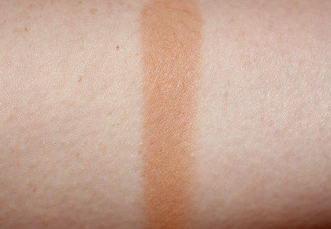 Victoria Beckham Estee Lauder Saffron Sun Bronzer Swatch