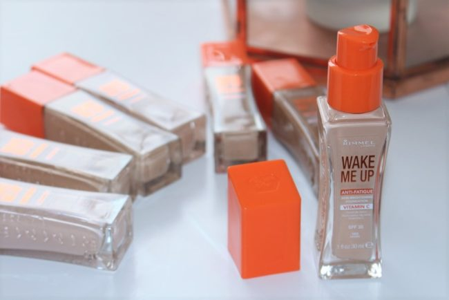 Rimmel Wake Me Up Foundation 2017