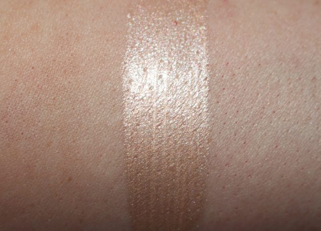 Charlotte Tilbury Beauty Light Wand Swatch