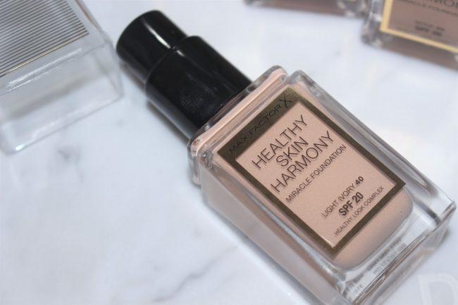 Max Factor Healthy Skin Harmony Foundation - Shade 40 Light Ivory