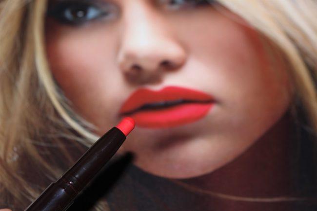 Laura Mercier Velour Extreme Matte Lipstick - Dominate