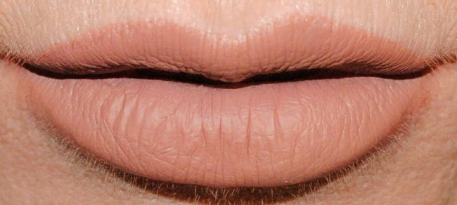 Barry M Nude Matte Me Up Lip Kit - Doll Swatch