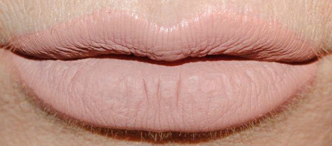 Barry M Nude Matte Me Up Lip Kit - Hun Swatch